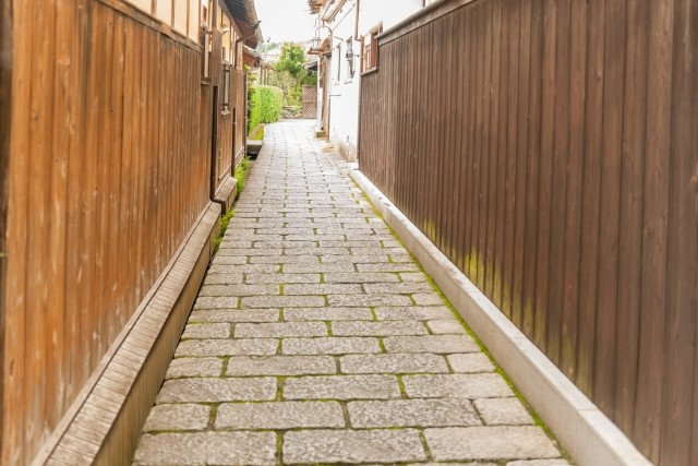 木3共建築の敷地内通路の条件緩和