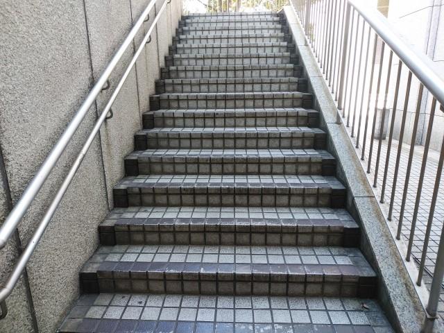 避難階段・避難階は避難施設の1つ